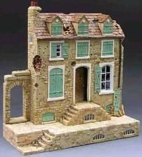 KING & COUNTRY DIORAMA SP017 FRENCH FARM HOUSE MIB