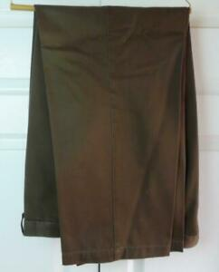 Haggar Mens Classic Fit Expandable Waist Band Flat Front Brown Pants  42W x 32L