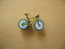 Pin badge hot Chili vtt jaune yellow vélo bike 0728 velo