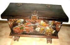 """Cassapanca """" CAVALIERI """" legno massello intagliato, laccato e verniciato."""