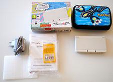 Console New Nintendo 3DS blanche avec boite d'origine & pochette pokemon