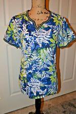Peaches Uniform V Neck in Multi Blue Print - Xl