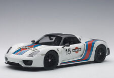 AUTOART 2013 PORSCHE 918 SPYDER WEISSACH PACKAGE WHITE/MARTINI LIVERY 1:18*New!