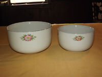 VINTAGE 1940S HALL HALL'S SUPERIOR KITCHENWARE 2 MIXING  BOWLS ROSE WHITE 658