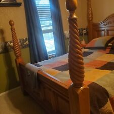 New Listingbedroom set queen furniture used
