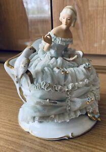 Porzellanfigur Porzellan Hofdame Heinz Schaubach Unterweißbach
