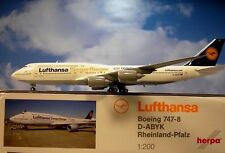 Herpa Wings 1:200 Boeing 747-8  Lufthansa  D-ABYK Olympiamannschaft  558402