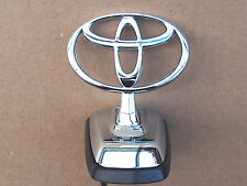 Toyota Land Cruiser 100 Series 1998-2007 bonnet Hood Emblem Badge Genuine Silver