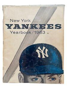 Vintage Souvenir New York Yankees 1963 Sketch Book Yearbook. Wow!!!