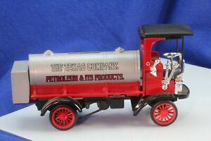 Ertl Texaco The Texas Company 1910 Mack Senior Diecast Bank With Key.