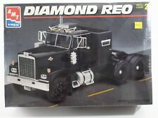 Diamond Reo Tractor Truck AMT ERTL 1:25 Model Kit 8137 Unbuilt, Sealed Box