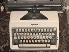 Olympia Sm9 Vintage Typewriter In Good Condition