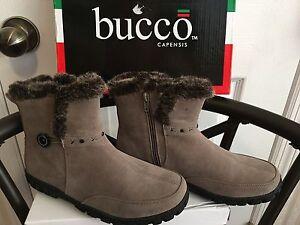 BUCCO~Capensis~DOTTIE~BEIGE~Side Zip~Ankle Boots~Womens~Shoes~Size 9 M~NEW W/BOX