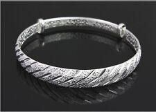 Schöner verstellbarer eleganter Armreif in Silber