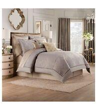 Valeron Elandra Comforter Set in Grey - Queen