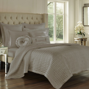 Five Queens Court Saranda Satin Geometric Quilted Coverlet King