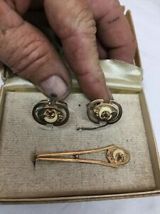 Vintage Gold Tone  Lapel Shriner Scimitar Moon and Star Cuff Links And Pin