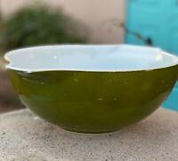 Vintage Pyrex Avacado Green Cinderella Large Mixing Bowl 4 Qt.  #444