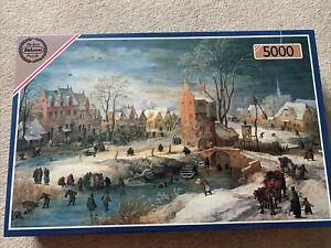 Supreme De-luxe Falcon Village In Winter 5000 Piece Jigsaw Puzzle