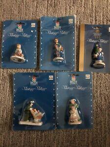 Lot of 5 Christmas Village Figures / Figurines / People