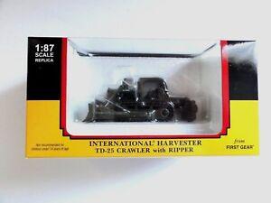 """First Gear 80-0308 IH TD-25 Crawler US ARMY w/RIPPER 1:87 BRAND """"NEW IN BOX"""""""