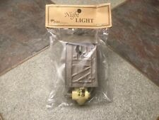 OUTHOUSE NIGHT LIGHT MADE BY PARK DESIGN BRAND-NEW BROWN METAL VERY UNIQUE LIGHT