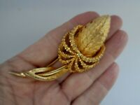 Vintage Brooch Gold Tone Textured Flower Bud Leaf 1970s Brooch Pin 8cm