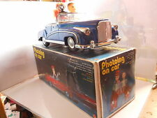 PHOTOING ON CAR TOLE TIN TOY  ME 630 MECANIQUE MYSTERY ACTION