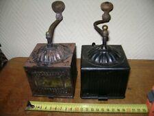 deux moulins à café en métal