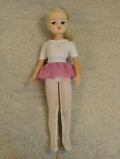 Vintage Retro 1978 Ballerina Pedigree Blonde Sindy Doll. Ankles Pose