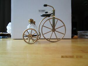 VTG Metal High Wheel Bicycle With Glass Salt & Pepper Shakers - Wheels Spin!