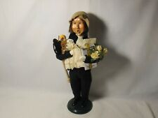 Byers Choice 2001 Victorian Shopping Man with Gift and Porcelain Doll