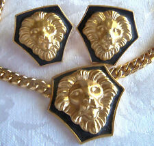 VINTAGE GOLDPLATED  LION PENDANT CHAIN NECKLACE & PIERCE EARRINGS NEWIN BOX