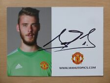 2015-16 David De Gea Signed Man Utd Club Card (13605)