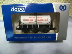 6-Wheel Milk Tanker 'United Dairies' By Dapol No 4F-031-019 '00', Boxed & Unused
