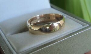 Attractive 9ct Yellow Gold Wedding Band Ring h/m 1960 Birmingham   -  size M