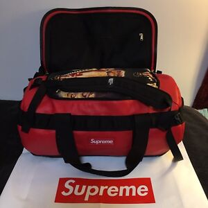 SUPREME THE NORTH FACE LEATHER BASE CAMP DUFFEL (RED) FW17 FW18 CDG BOX LOGO