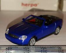 Voitures, camions et fourgons miniatures bleus Mercedes 1:87
