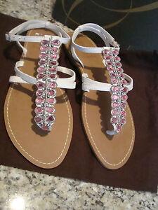 New Enzo Angiolini Eafoxie White Sandals 8 Medium