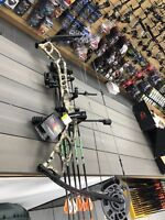 """Diamond Archery Medalist 38 camo DELUXE PACKAGE  Right Hand 23-32.5"""" draw 60lb"""