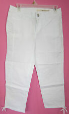 NWT LADIES DKNY CAPRIS 98% COTTON 2% SPANDEX WHITE STRETCH SIZE 10 # 177-LC