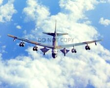 AIRBORNE B-52 AIRCRAFT CARRYING TWO D-21 RECON DRONES - 8X10 PHOTO (BB-111)