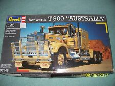 "Revell 1:25 Kenworth T900 ""Australia"" conventional, open"