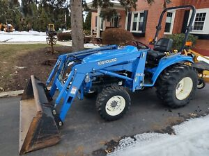 New Holland TC29D Tractor 7308 Loader  DIESEL 29HP 4WD HST Drive 872Hrs SERVICED