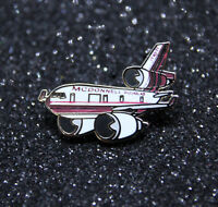 Pin CHUBBY pudgy McDonnell Douglas MD11 1 inch / 27mm metal Pin Pilot MD-11