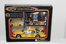 Golden Wheel New York City  Taxicab 1:25 & 1:64 2 pack w/Billboard
