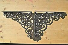 A PAIR OF LARGE GOTHIC SCROLL BRACKETS SELF BRACKET SHELVING CAST IRON WH49AL29