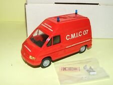 RENAULT TRAFIC CELLULE MOBILE D'INTERVENTION CHIMIQUE MVI KIT Monté 1:43