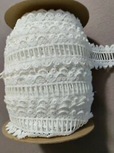 """40 yard Roll white embroidered eyelet  Lace Trim 1.5""""w WHOLESALE"""