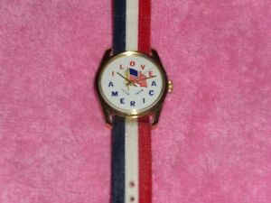 "Vintage 1776-1976 Bicentennial Wind Up Watch ""I LOVE AMERICA"" Base Metal Swiss"